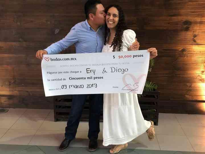 Erika y Diego son los ganadores del sorteo, ¡un premio caído del cielo!