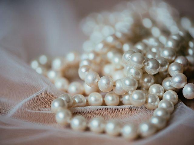 Perlas en el look de la novia, ¿te atreves a llevarlas?