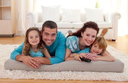Decora la sala de tu futuro y dulce hogar