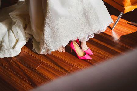 70 zapatos de novia rosas para dar el paso más romántico