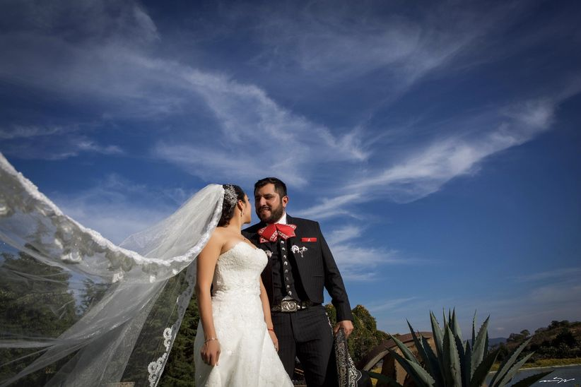 Resultado de imagen de matrimonio de parejas con charros mexico