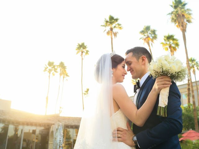 La pureza del amor y de las rosas blancas: la boda de Ángel y Clara