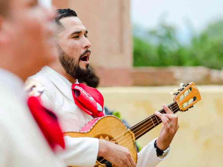 lista de canciones de mariachi alegres