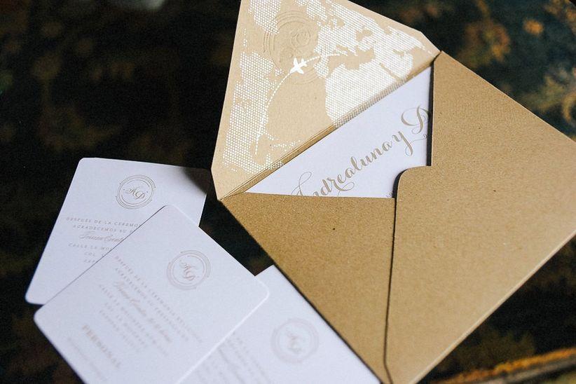 b5f2a7bfd7a Invitaciones de boda de estética DIY  materiales que pueden integrar ...