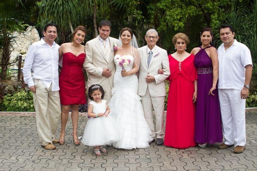 Dress code para una invitada a una boda de d a for Boda en jardin como vestir