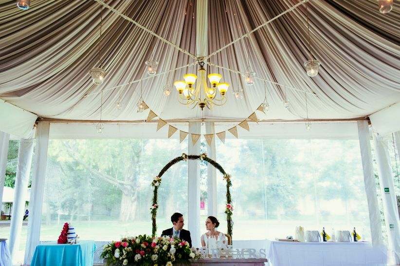 7 ideas para decorar tu boda con telas - Como decorar tu salon ...