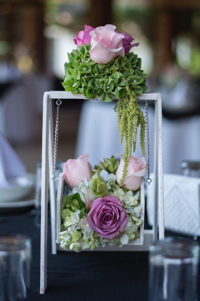 75 centros de mesa para boda descubre imagina y adapta - Mesas de libro para salon ...