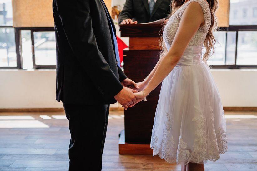 821722098f Vestidos de novia para boda civil  ¡sal de dudas! - bodas.com.mx