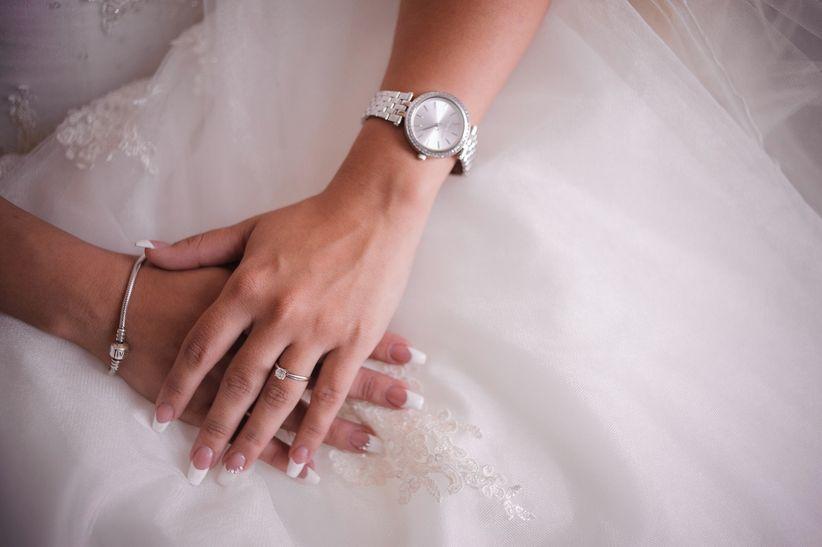 En qu mano van los anillos de compromiso y de matrimonio - En que mano se lleva el anillo de casado ...