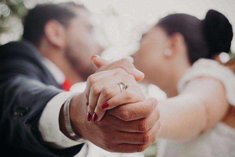 En qu mano van los anillos de compromiso y de matrimonio - Anillo de casado mano ...