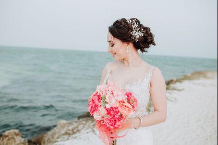9 peinados para bodas en la playa e ideas para combinarlos