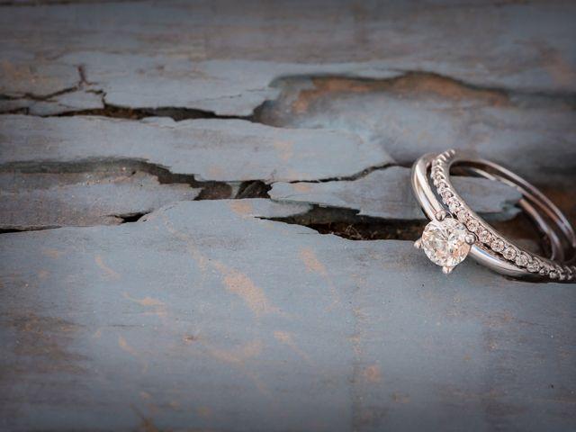 Cómo limpiar los anillos de compromiso y de casados