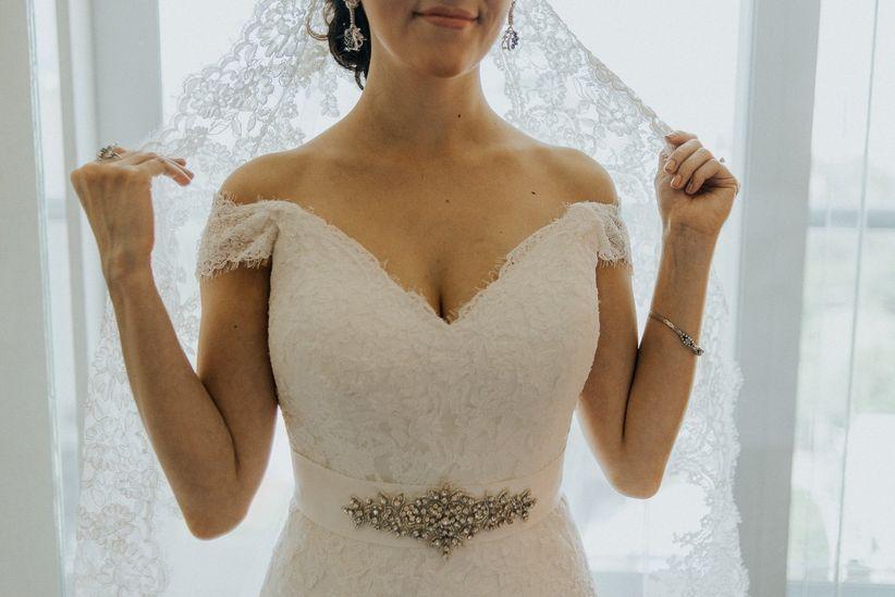 dime qué busto tienes y te diré qué escote necesitas - bodas.mx