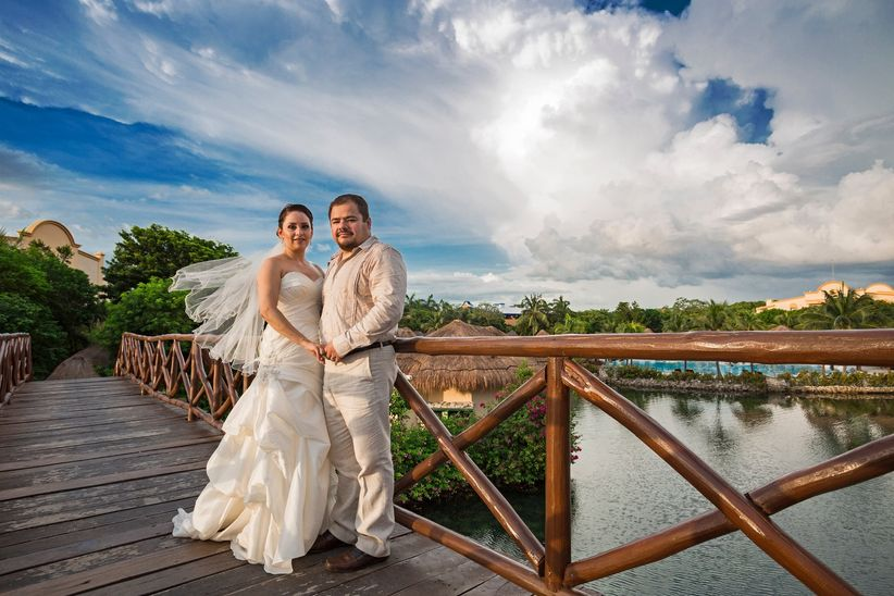 Vestidos de matrimonio para hombre y mujer