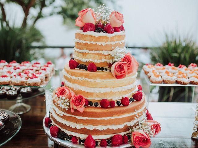 4 tradiciones del pastel de boda que deben conocer