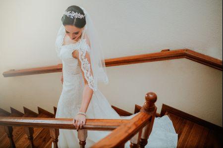 Tips para lucir tu tocado de novia: vestido, cara... ¡todo cuenta!