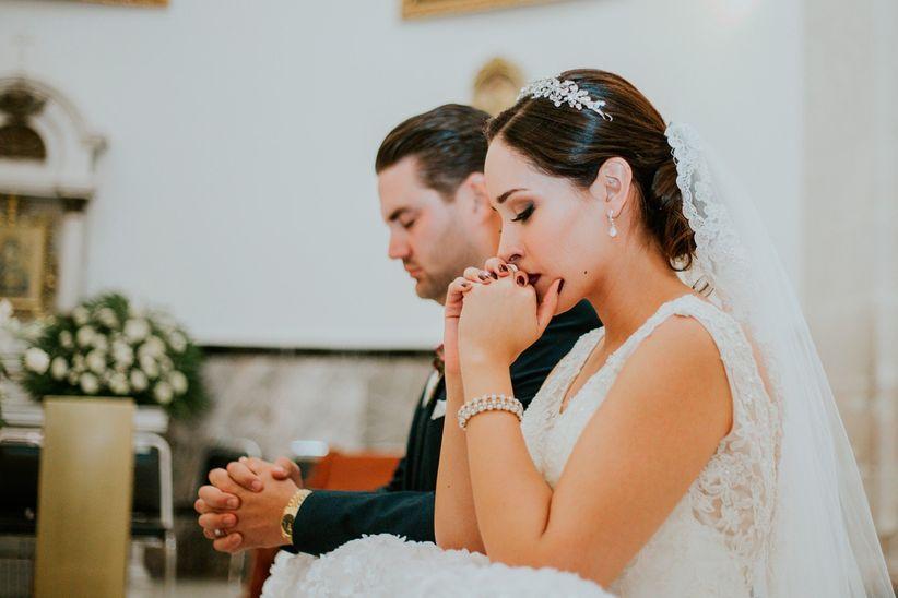 Casamiento por la religiòn católica  de pareja salvadoreña en Nueva York