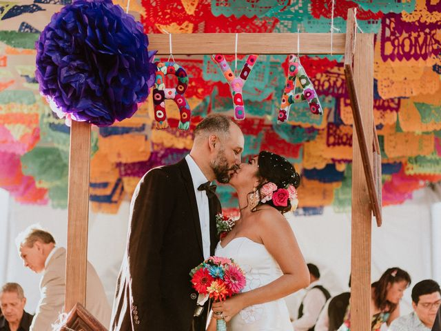 4 claves para incluir pompones en la decoración de la boda
