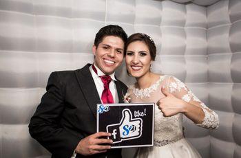 Todo lo que debe tener el photo booth de su boda (aparte de sonrisas)