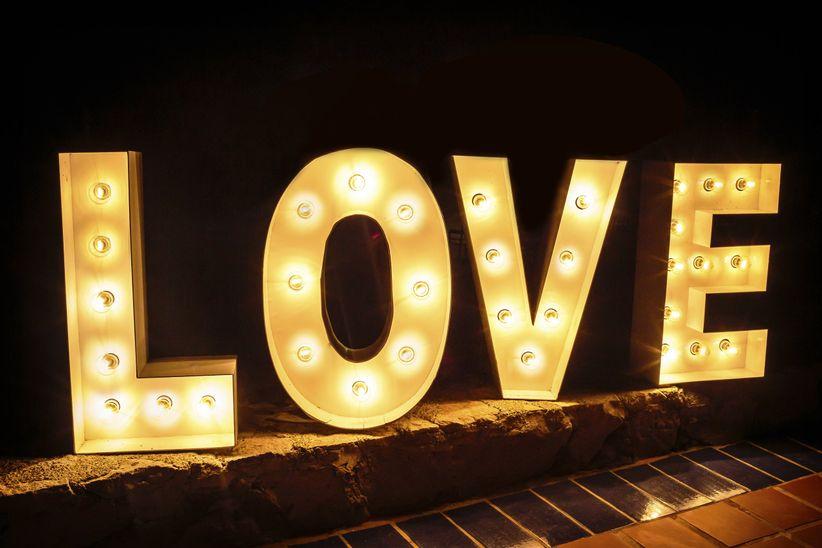 Letras luminosas para decorar tu boda - Letras luminosas decoracion ...
