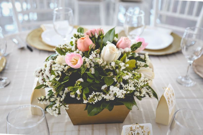 12 estilos de macetas para decorar su boda al m nimo for Adornos para bodas con plantas