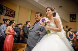 ¿De qué lado entra la novia en la ceremonia?
