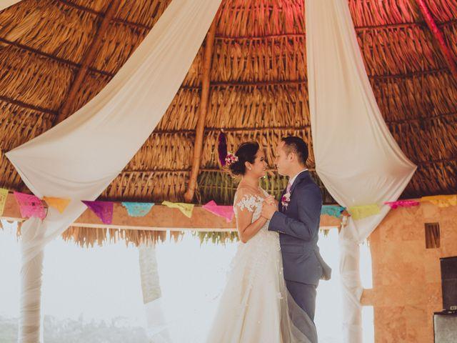 Ambiente mexicano y muy familiar en la boda de Rogelio y Mónica