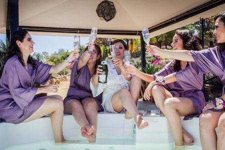 La bata de novia: la equipación del bride team en 70 imágenes
