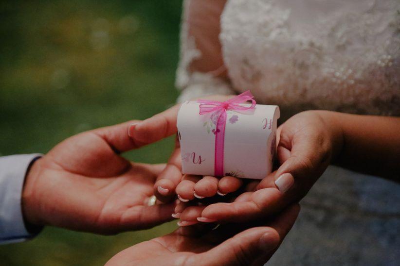 071b5ea627fa 8 ideas de regalo para el primer aniversario de casados - bodas.com.mx