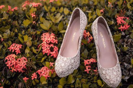25 zapatos de novia con encaje: delicadeza y romanticismo a tus pies