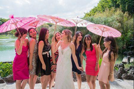 Look de invitadas a boda en jard�n