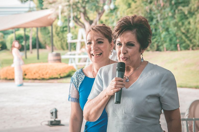 look ideal para la abuelita de la novia - bodas.mx