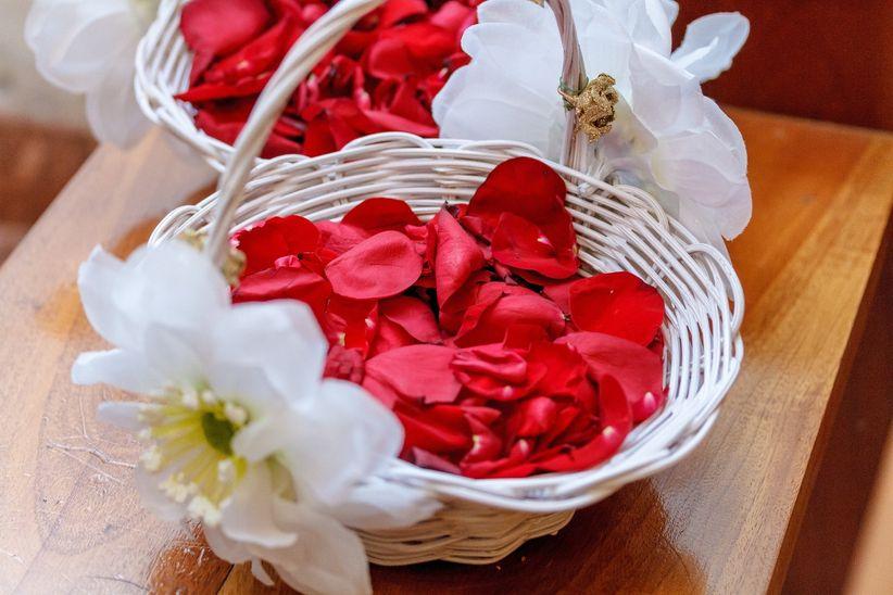 Flores El Elemento Ideal Para Tu Pastel De Bodas: Decoración De Las Canastas Para Los Pajes En Tu Boda