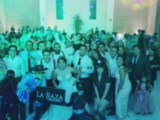 La Raza Versátil Show 3