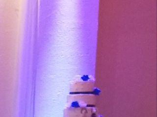 Mi Mundo Cake 1