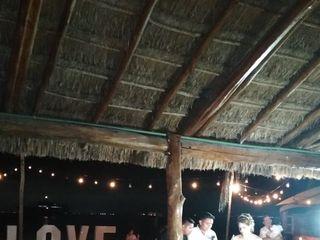 Luxury Beach Club 1