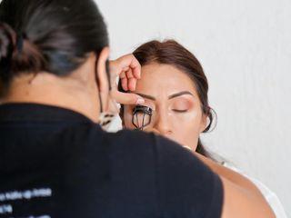 Vania Cadena Makeup & Hair Artist 1