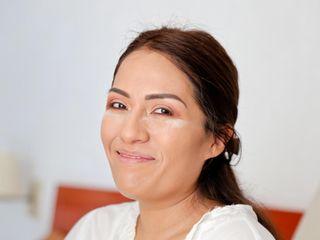Vania Cadena Makeup & Hair Artist 2