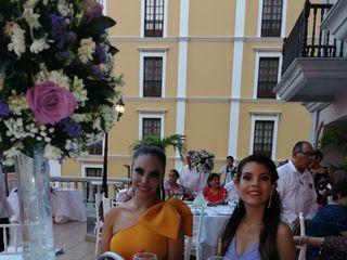 Nadine Flores y Regalos 3