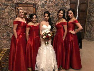 Vacante de vendedora de vestidos de novia