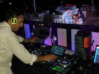 Live Productions - DJ 1
