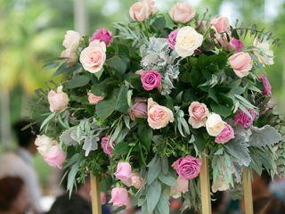 Aurora Flowers & Co 4