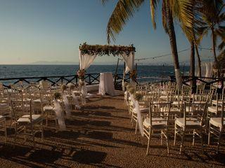 Costa Sur Resort & Spa 3