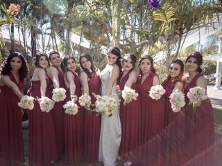 Vestidos Damas de Honor Modela Bella 4
