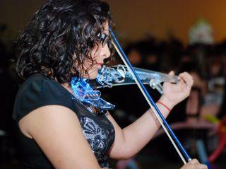 Magguie Canto Violinista 3