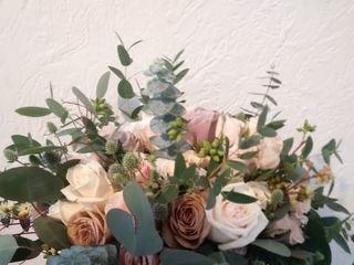 Lia Floral 3
