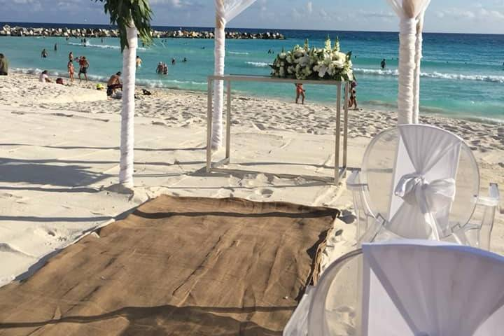 Krystal Grand Cancún 12
