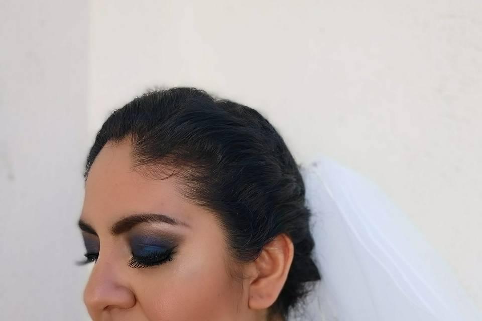 Isabel Lozano Makeup Studio 9