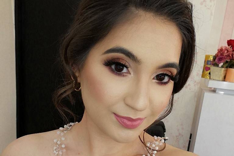 Arely Leal Hair & Makeup 1