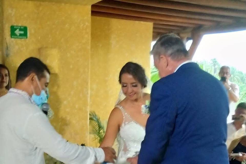 Oficiante de bodas Gabriel Vásquez 1